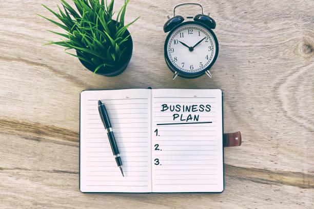 Entrepreneur qui prépare son business plan